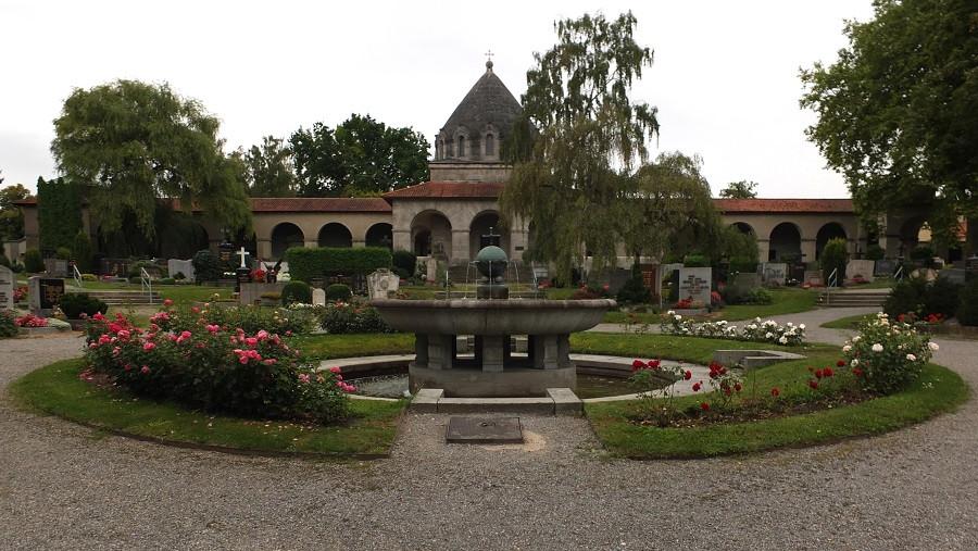 Blick aufs Dörnbergmausoleum